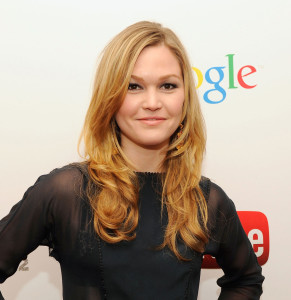 julia stiles religion hobbies political views