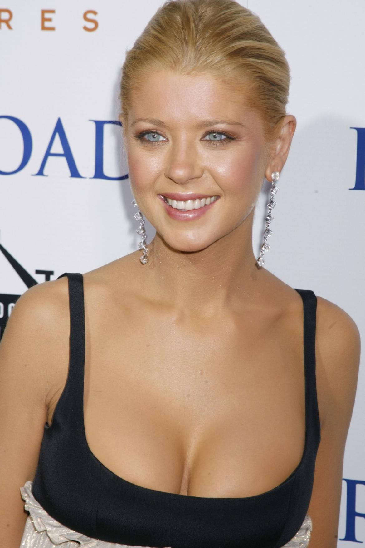 Tara Reid - Her Religion - Her Hobbies - Her Political Views