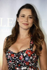 Linda Cardellini religion hobbies political views