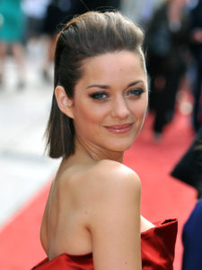 marion cotillard religion hobbies